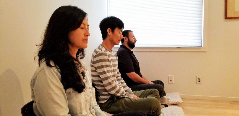 Group meditation at the Meditatio Centre London